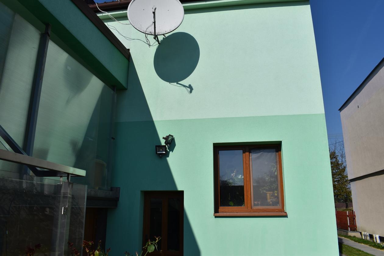 Vyčistená fasáda rodinného domu spoločnosťou Bombafasada.sk